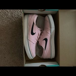 NikeSB Janoski PrismPink & Navy Canvas Skate Shoes